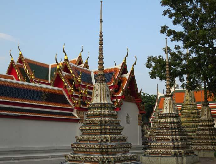 wat pho chedis, stupas