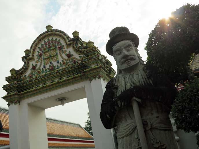 wat pho temple gate