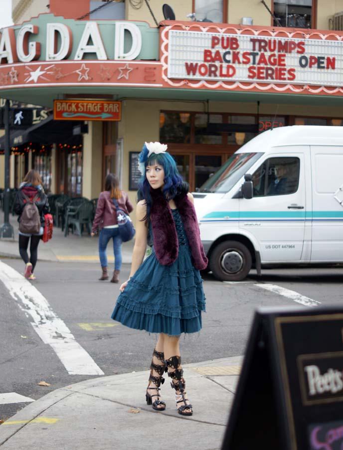 bluegreen mermaid hair in portlandia vegan restaurants