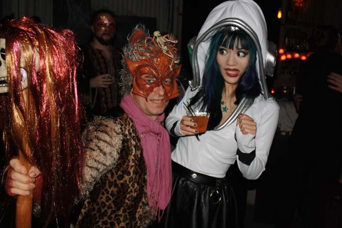 weird costumes, crazy halloween outfits
