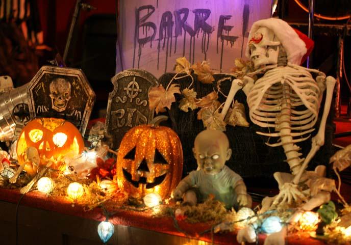 tim burton halloween display