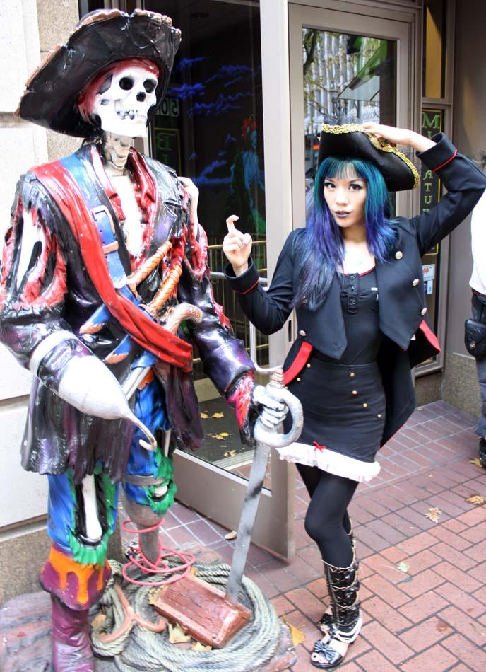 pirate girl costume, lip service pirate hat