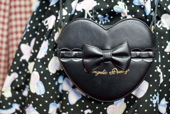 angelic pretty heart purse