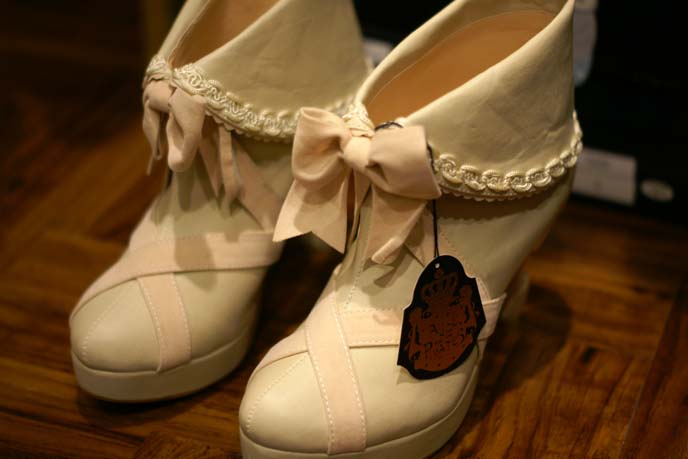 white lace pirate lolita boots
