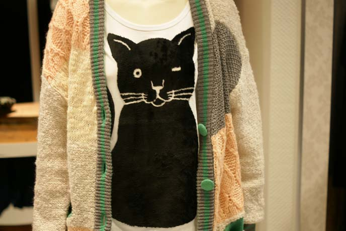 winking cat shirt, kitty sweater