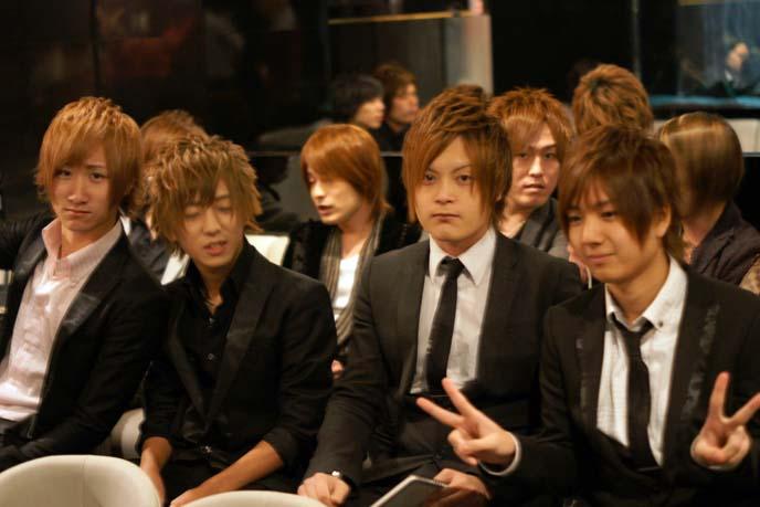 host boys hairstyles, salon