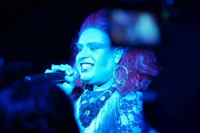 drag queen singing