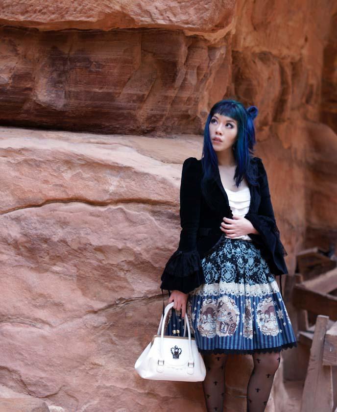 visit jordan travel blogger