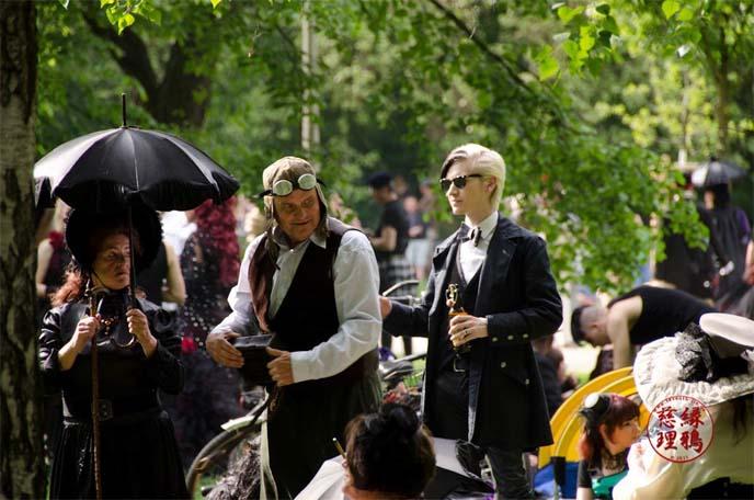 steampunk men's fashion goggles, wave gotik treffen