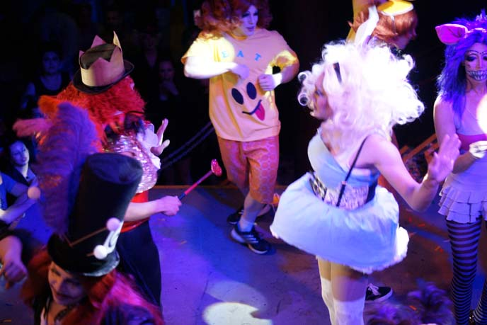 alice in wonderland drag show