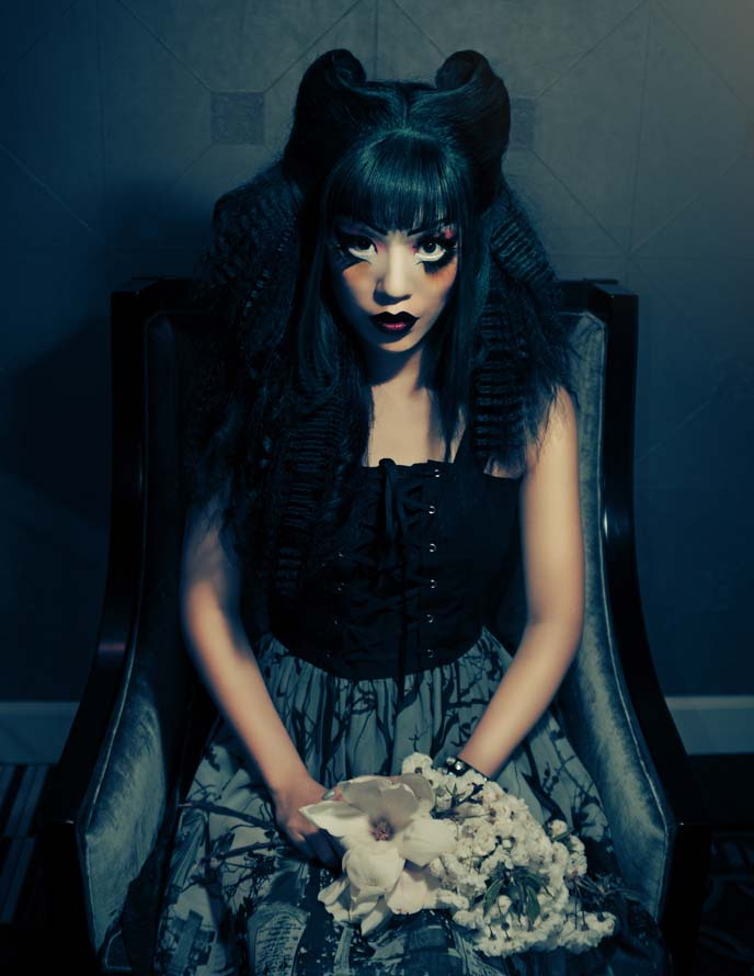 la carmina hairstyle, goth model