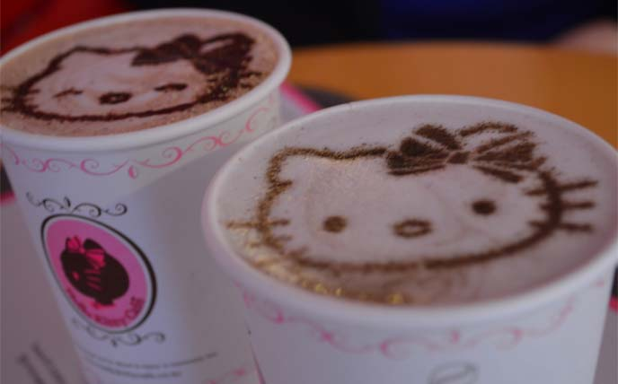 hello kitty lattes, cafe taipei