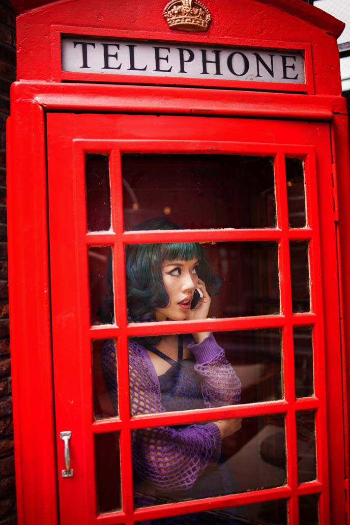 red british telephone booth