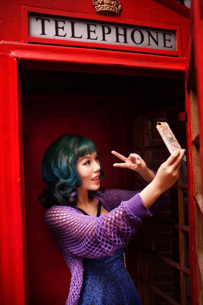 blue green hair, v-finger selfies