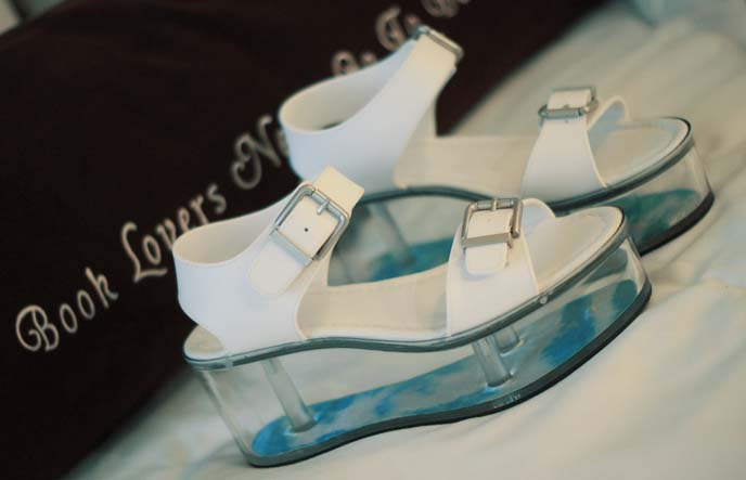 yru platform shoes, clear heel