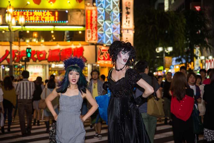 shinjuku crosswalk, kabukicho lights