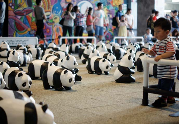 panda bear sculptures, Paulo Grangeon