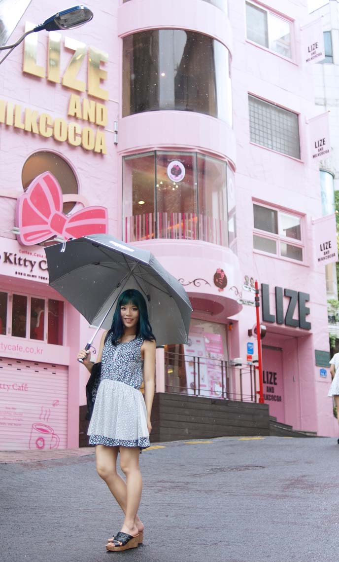 exterior hello kitty restaurant korea