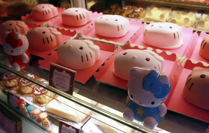 hello kitty face cute cakes