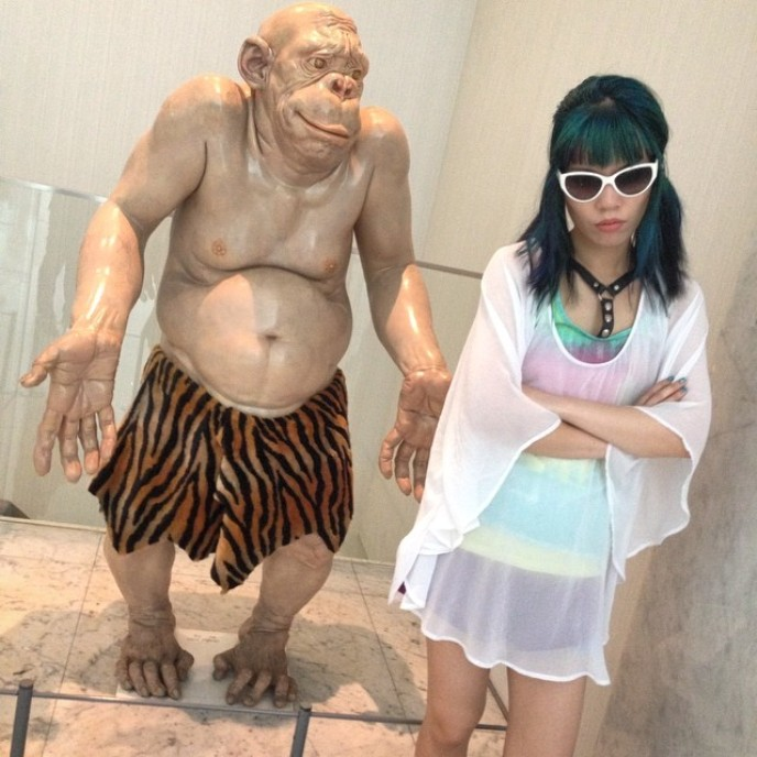 cao hui caveman statue