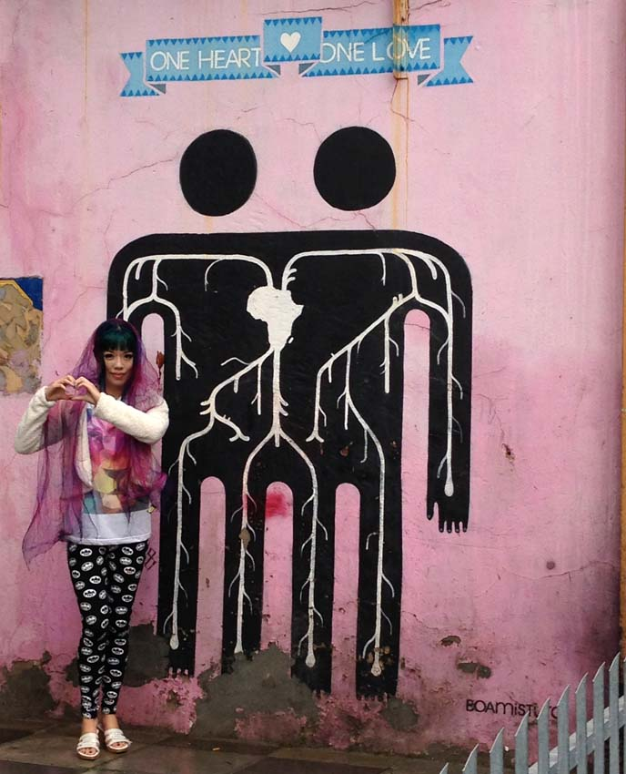 One Heart One Love mural, Boamistura
