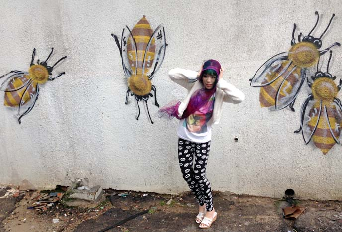 giant bees attacking girl