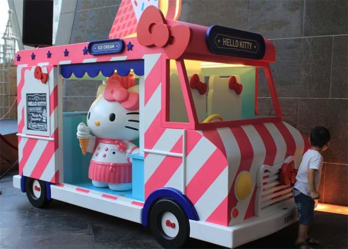pink ice cream truck, hello kitty