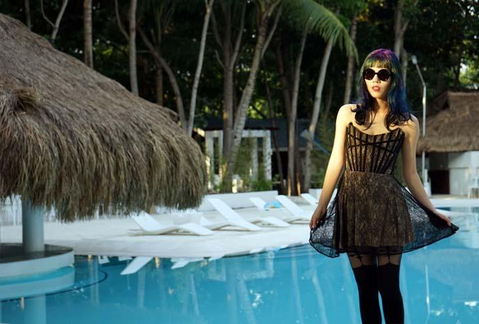 goth model, lace dress