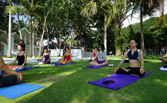 resort yoga lessons, meditation