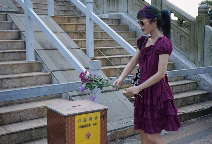 flower offerings for buddha