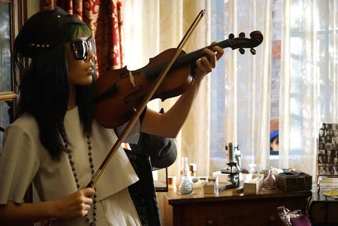 sherlock holmes violin