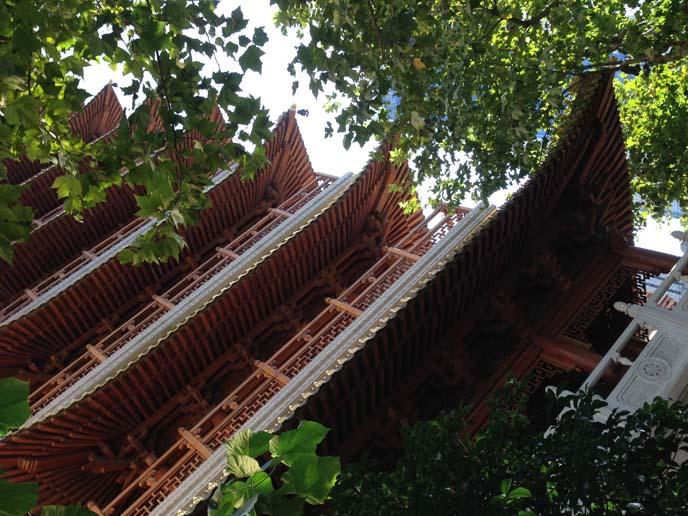 chinese temple shanghai jing an