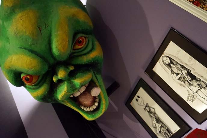 green alien head mask