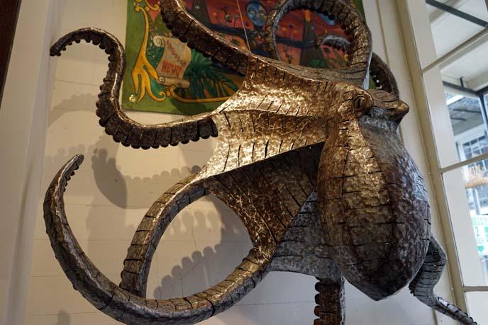 metal octopus sculpture