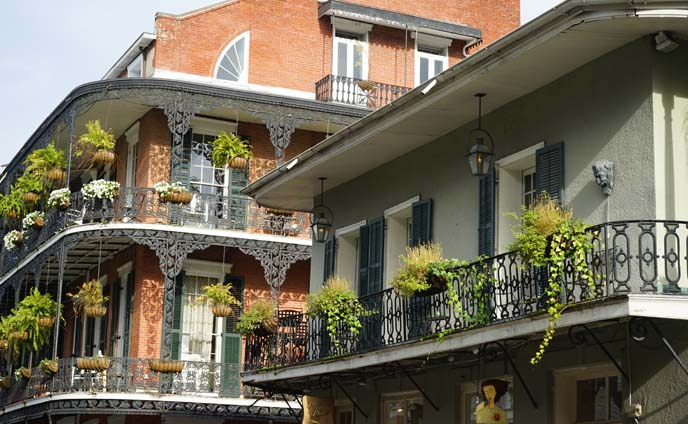 french quarter balcony railing