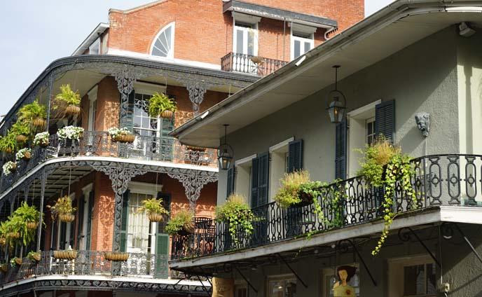 french quarter balcony railing
