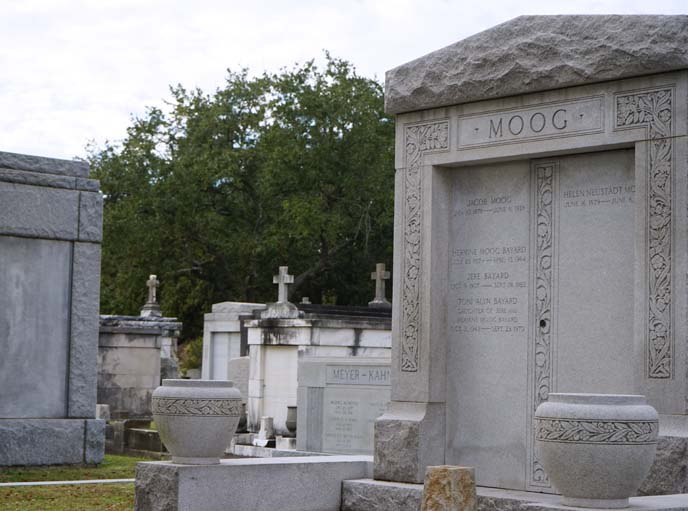 moog tomb, headstone