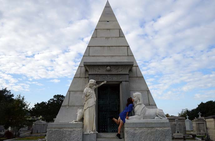 pyramid tomb, new orleans