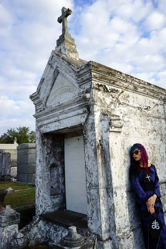 new orleans tombs, cemetery