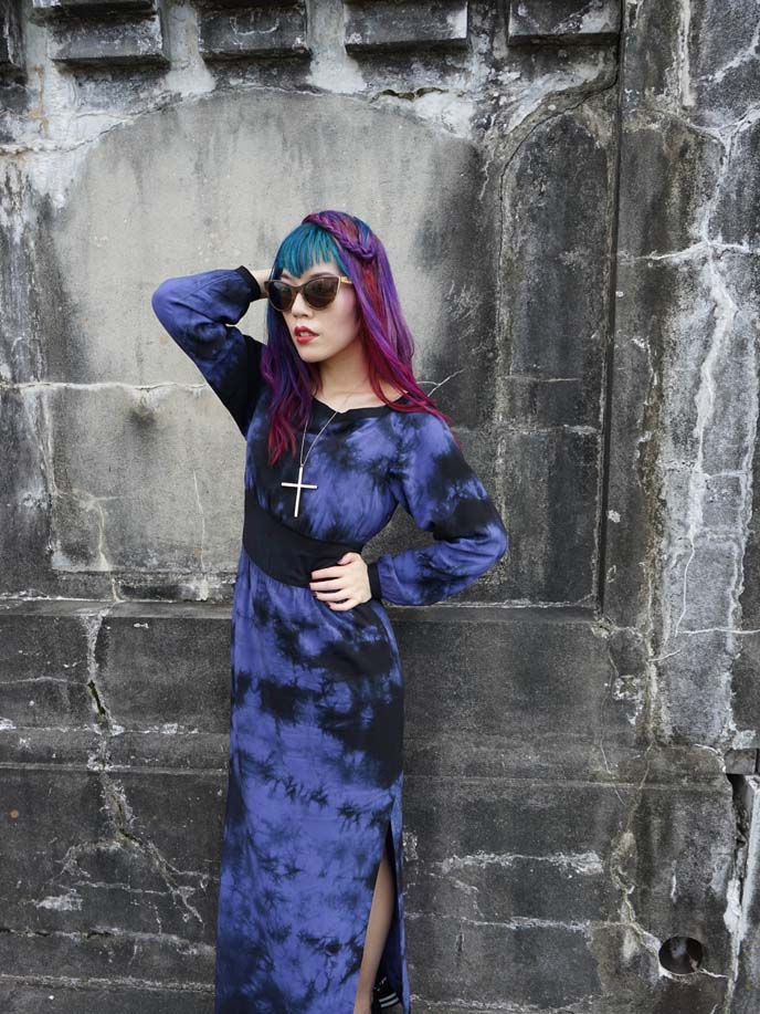 goth outfit post, hair color