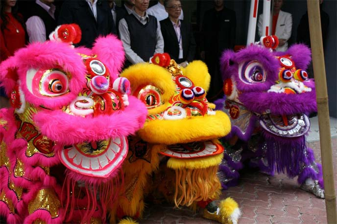 watch lion dance, hong kong