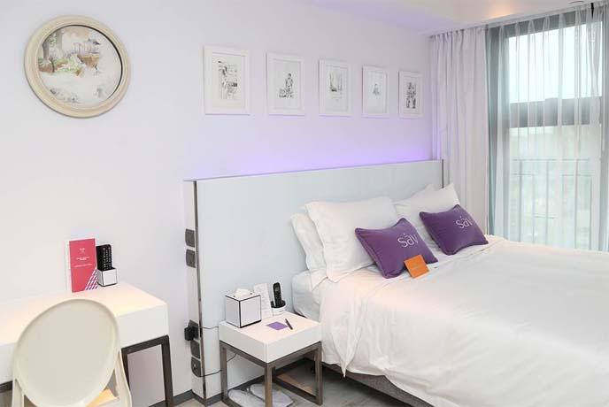 la carmina decorated hotel room