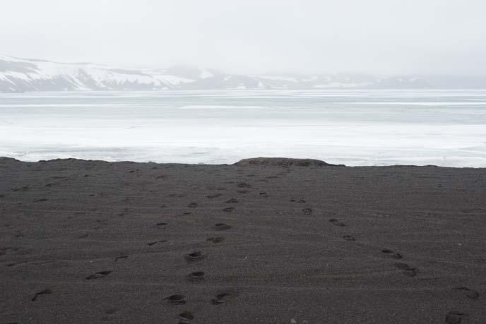 black sand iceland Kleifarvatn