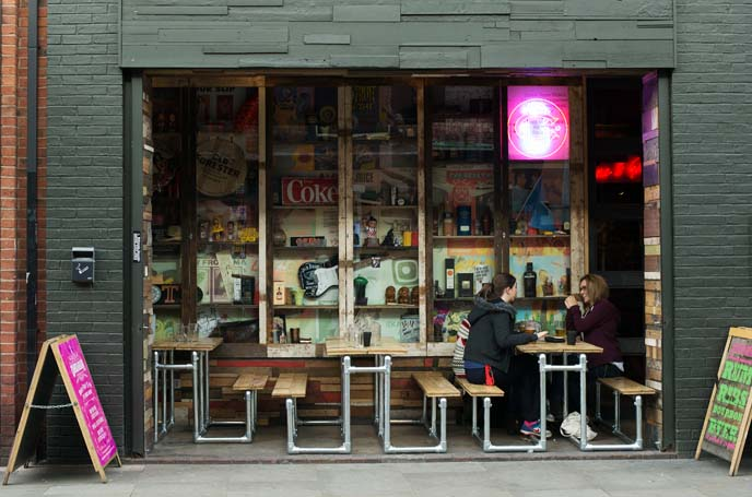retro cool coffee shops, england