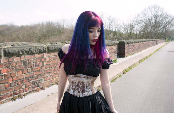 da vinci corset, dracula clothing model