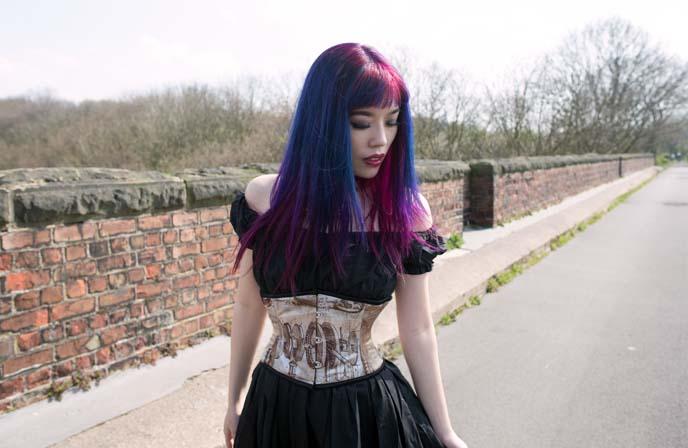 da vinci corset, dracula clothing model