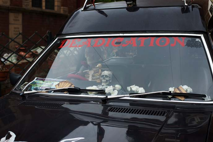 goth decorated cars