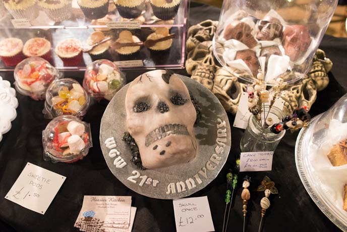 skull chocolates, skeleton cake