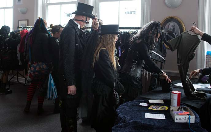 used gothic clothing market