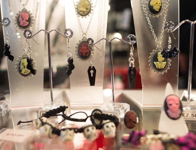 cameo gothic jewelry